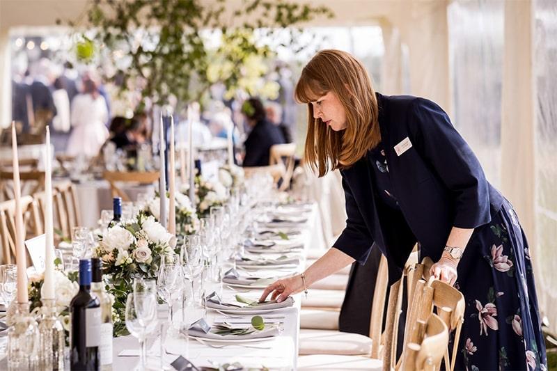 tu-len-ke-hoach-chuan-bi-cuoi-hay-thue-wedding-planner-1